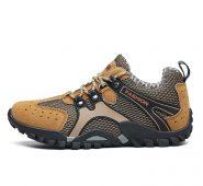 Men Mountain climbing shoes